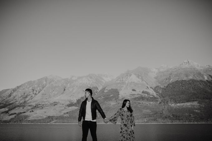 Magnificent New Zealand Prewedding of Amy & Kevin by fire, wood & earth - 005
