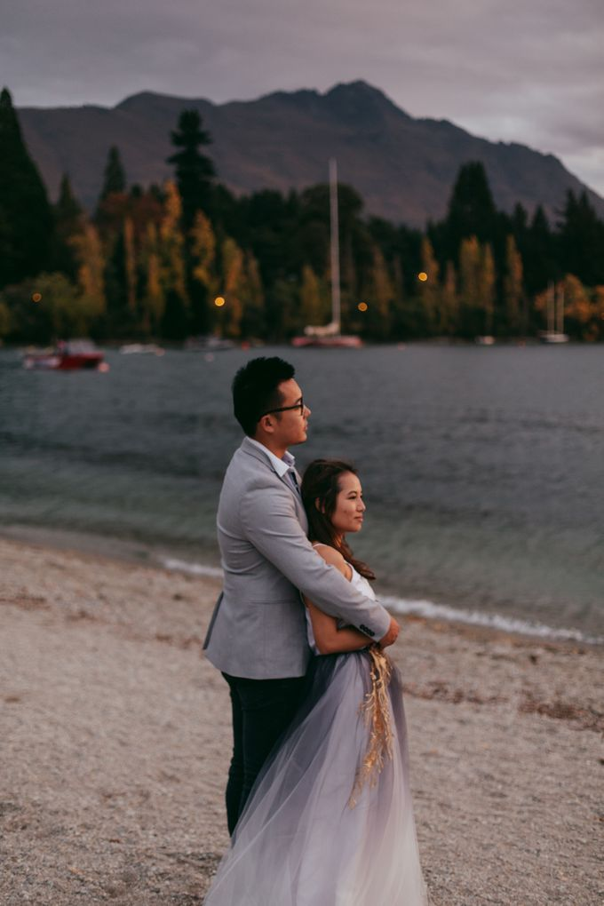 Magnificent New Zealand Prewedding of Amy & Kevin by fire, wood & earth - 032
