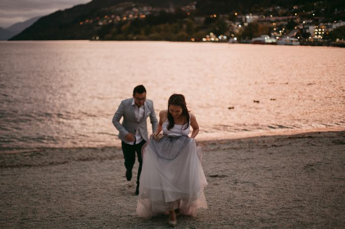 Magnificent New Zealand Prewedding of Amy & Kevin by fire, wood & earth - 036