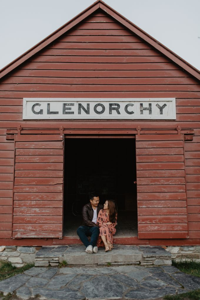 Magnificent New Zealand Prewedding of Amy & Kevin by fire, wood & earth - 002