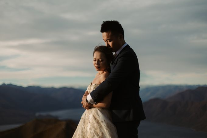 Magnificent New Zealand Prewedding of Amy & Kevin by fire, wood & earth - 012