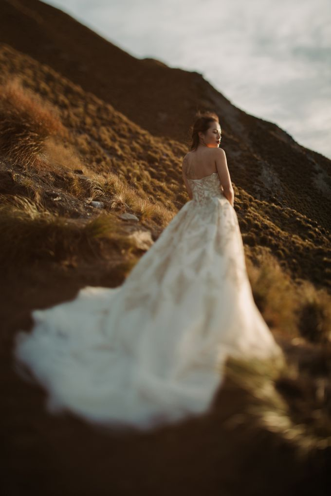 Magnificent New Zealand Prewedding of Amy & Kevin by fire, wood & earth - 016