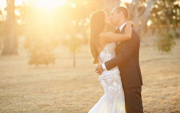 A Spectacular Farmhouse Wedding by Innicka Dee Cakes - 002