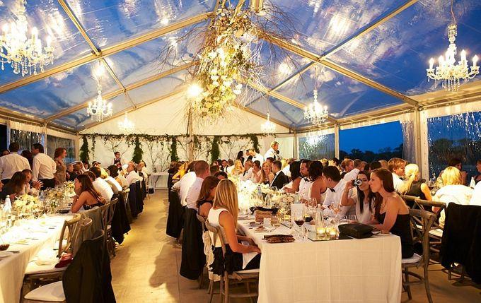 A Spectacular Farmhouse Wedding by Innicka Dee Cakes - 006