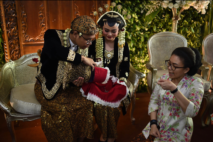 Javanese & Sundanese Wedding of Sambas & Andhita by Amycko - 004