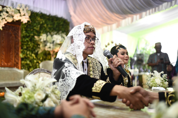 Javanese & Sundanese Wedding of Sambas & Andhita by Amycko - 001