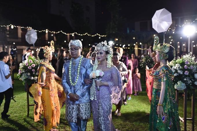 Javanese & Sundanese Wedding of Sambas & Andhita by Amycko - 008