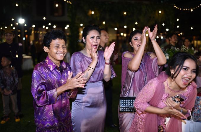 Javanese & Sundanese Wedding of Sambas & Andhita by akar photography - 010