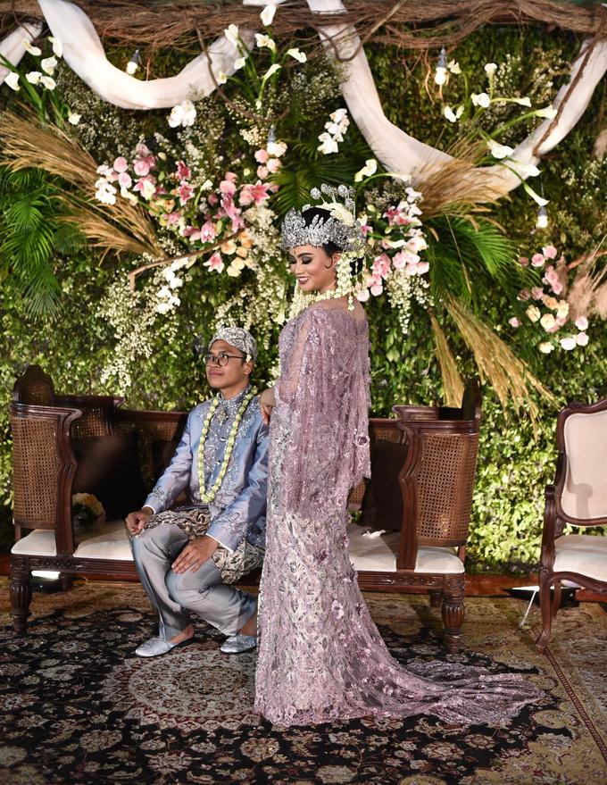 Javanese & Sundanese Wedding of Sambas & Andhita by akar photography - 011