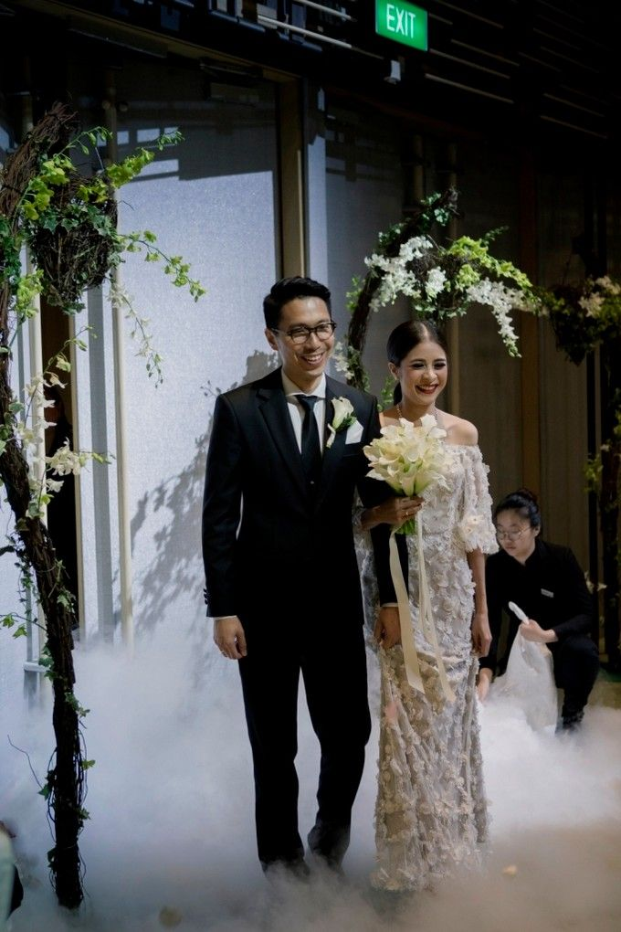 AN UNDERSTATED WEDDING ADORNED WITH GREENERY by Wong Hang Distinguished Tailor - 003