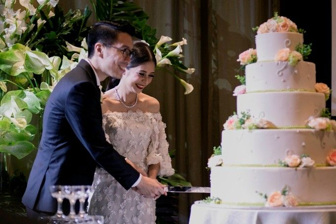 AN UNDERSTATED WEDDING ADORNED WITH GREENERY by Wong Hang Distinguished Tailor - 002
