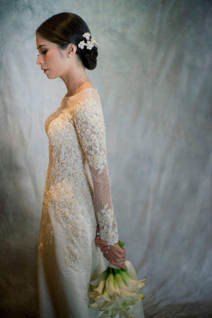AN UNDERSTATED WEDDING ADORNED WITH GREENERY by Wong Hang Distinguished Tailor - 011