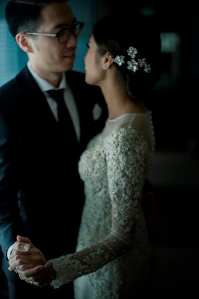 AN UNDERSTATED WEDDING ADORNED WITH GREENERY by Wong Hang Distinguished Tailor - 009