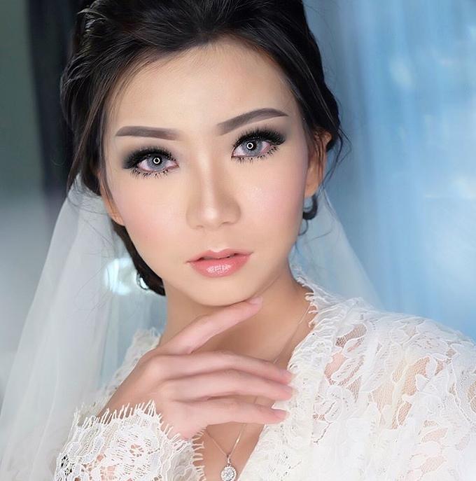 Add To Board Linda's Wedding Makeup Looks by Anastaliea Hair & Makeup - 001