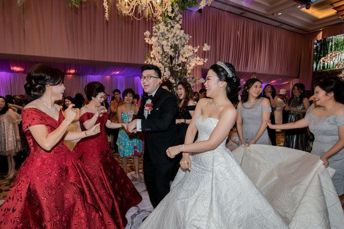 Grand Hyatt Wedding of Andhika & Meilisa by Demas Ryan & Lasting Moments Entertainment - 017