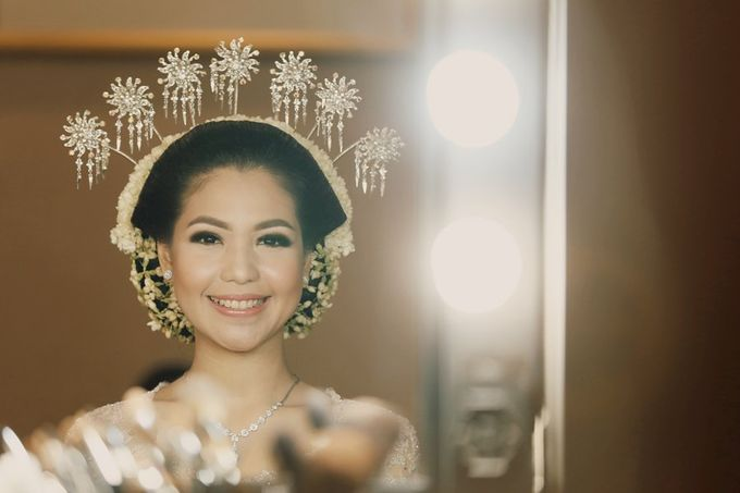 The Traditional Signature Wedding of Karla & Andhika by ThePhotoCap.Inc - 014