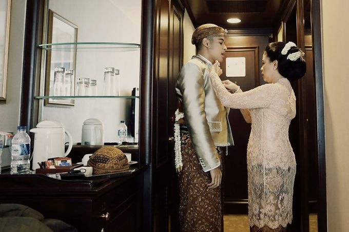 The Traditional Signature Wedding of Karla & Andhika by ThePhotoCap.Inc - 015