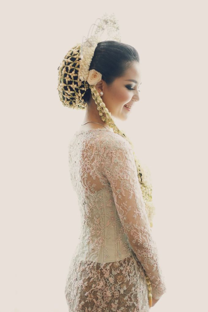 The Traditional Signature Wedding of Karla & Andhika by ThePhotoCap.Inc - 018