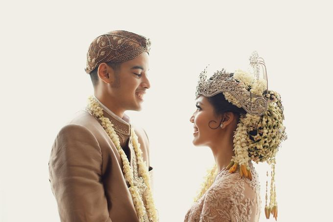 The Traditional Signature Wedding of Karla & Andhika by ThePhotoCap.Inc - 037
