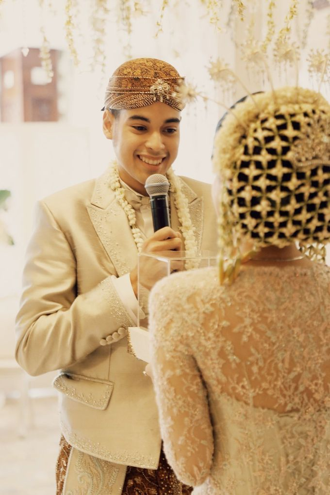 The Traditional Signature Wedding of Karla & Andhika by ThePhotoCap.Inc - 019