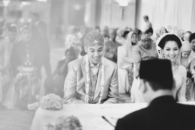 The Traditional Signature Wedding of Karla & Andhika by ThePhotoCap.Inc - 024