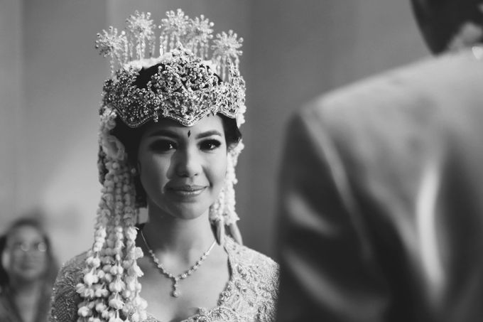 The Traditional Signature Wedding of Karla & Andhika by ThePhotoCap.Inc - 029
