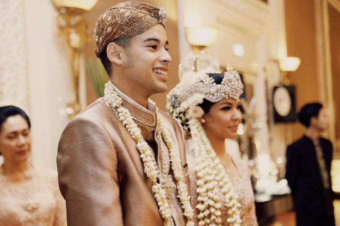 The Traditional Signature Wedding of Karla & Andhika by ThePhotoCap.Inc - 031