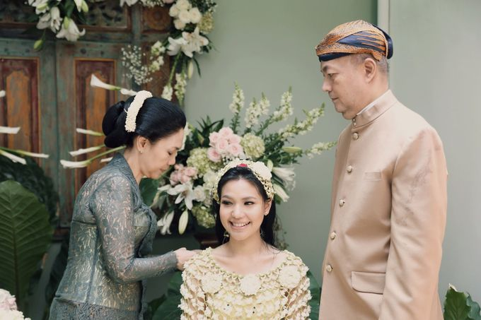 The Traditional Signature Wedding of Karla & Andhika by ThePhotoCap.Inc - 032