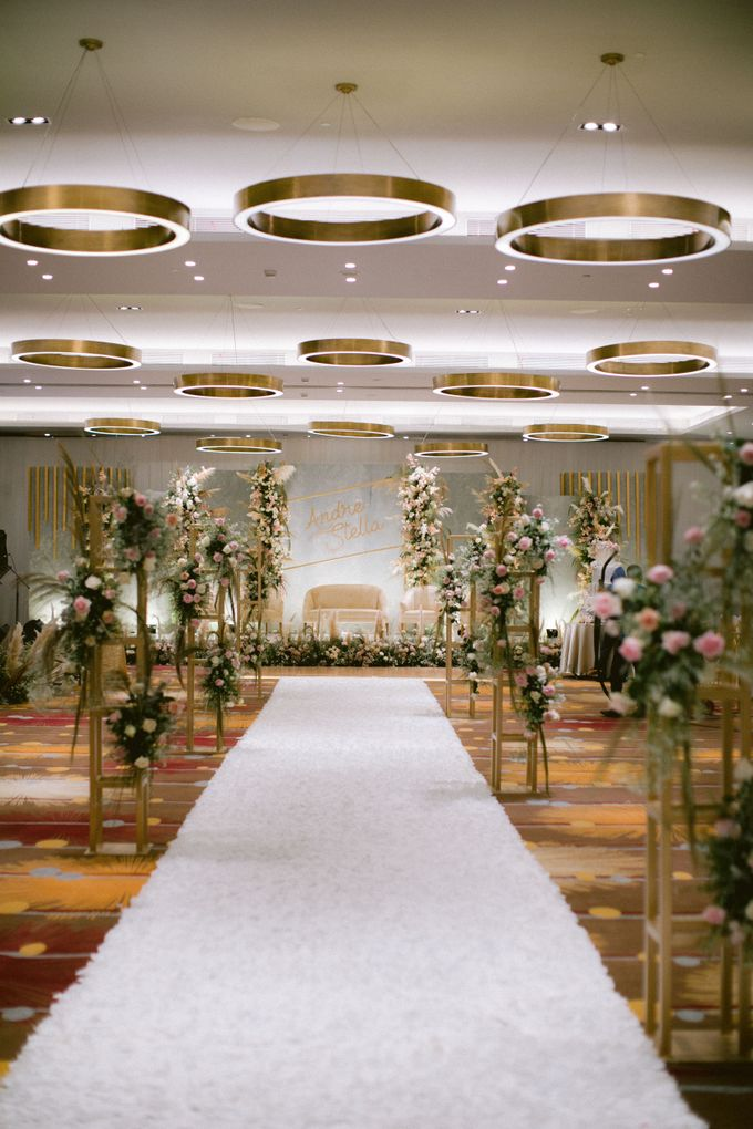 Wedding of  Andre and Stella by Holiday Inn & Suites Jakarta Gajah Mada - 012