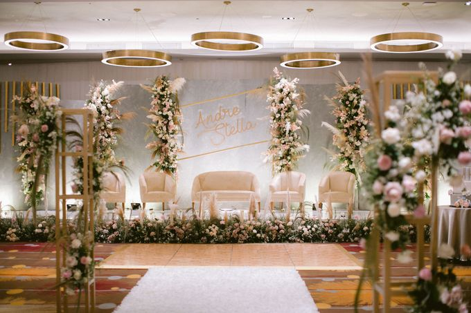 Wedding of  Andre and Stella by Holiday Inn & Suites Jakarta Gajah Mada - 015