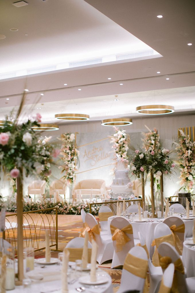 Wedding of  Andre and Stella by Holiday Inn & Suites Jakarta Gajah Mada - 023