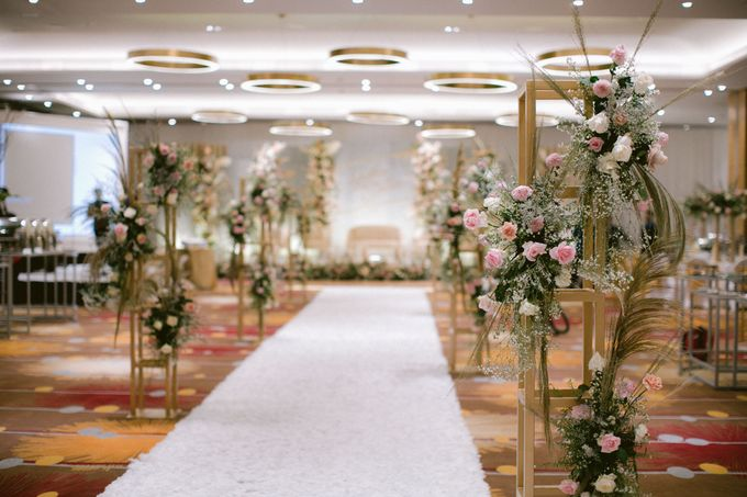 Wedding of  Andre and Stella by Holiday Inn & Suites Jakarta Gajah Mada - 024