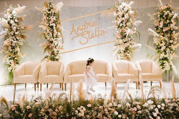 Wedding of  Andre and Stella by Holiday Inn & Suites Jakarta Gajah Mada - 042