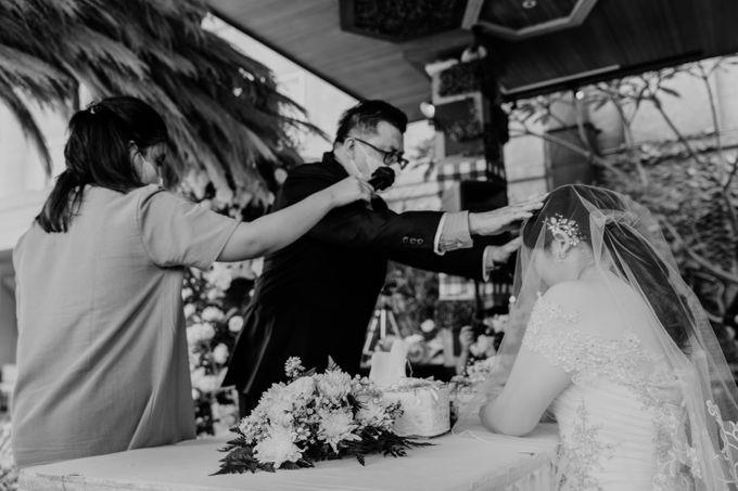 Andrew & Mercia Wedding at Whiz Prime Hotel Jakarta by AKSA Creative - 030