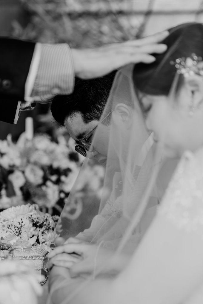 Andrew & Mercia Wedding at Whiz Prime Hotel Jakarta by AKSA Creative - 032