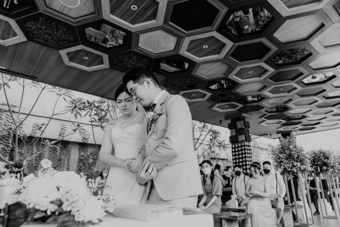Andrew & Mercia Wedding at Whiz Prime Hotel Jakarta by AKSA Creative - 031