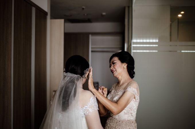 Andrew & Mercia Wedding at Whiz Prime Hotel Jakarta by AKSA Creative - 019