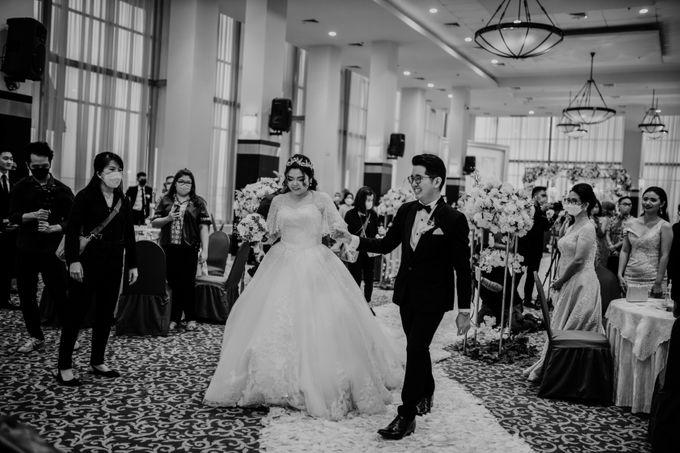 Andrew & Mercia Wedding at Whiz Prime Hotel Jakarta by AKSA Creative - 003
