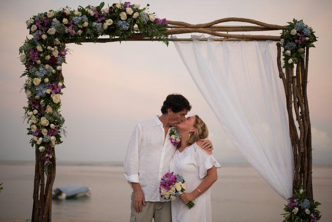 Vow Renewal Ceremony of Mr. Gavan Hood & Mrs. Maree Hood by Tijili Benoa Hotel - 011