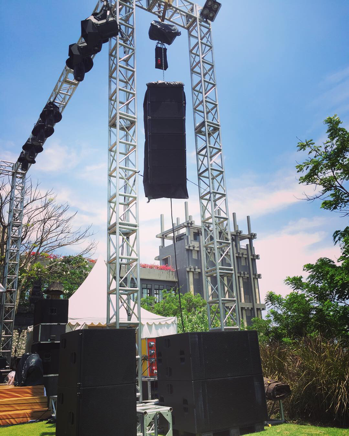 Sound system and lightings for your event/wedding by antvrivm sound & lighting - 003