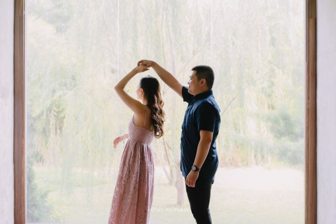 Pre-Wedding - Icha & Dannis by Aniwa Pictures - 024