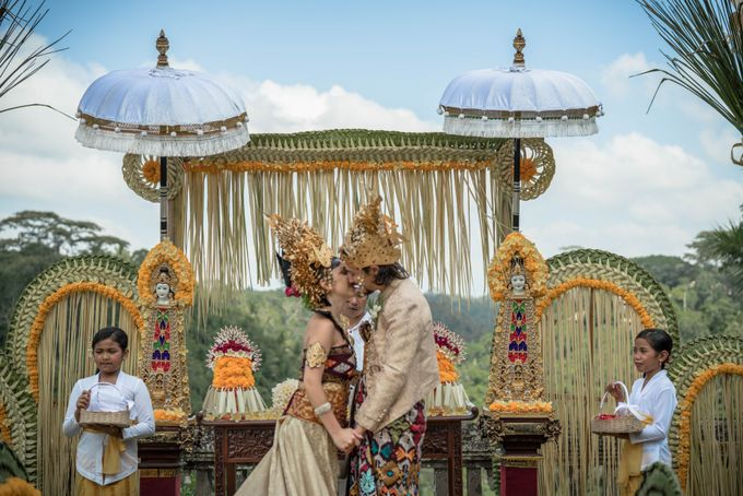 Balinese Wedding Ceremony by Puri Wulandari, A Boutique Resort & Spa - 023