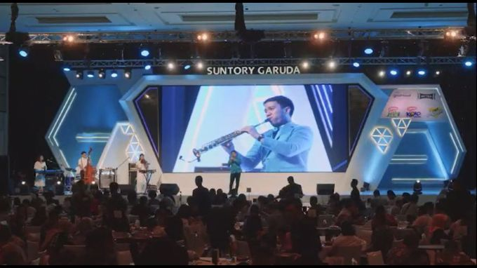 Desmond Amos Entertainment for Suntory Garuda Gala Dinner by Desmond Amos Entertainment - 005