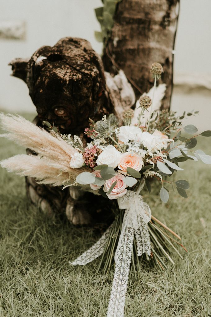 Vintage Elegant Arrangement by Bali Wedding Atelier - 004