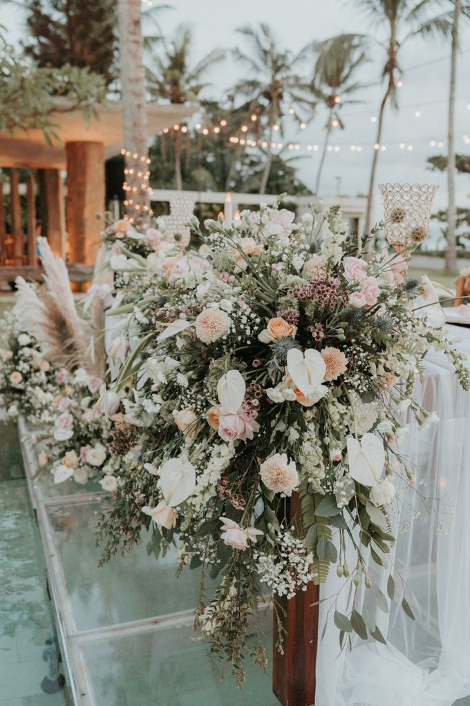 Vintage Elegant Arrangement by Bali Wedding Atelier - 011