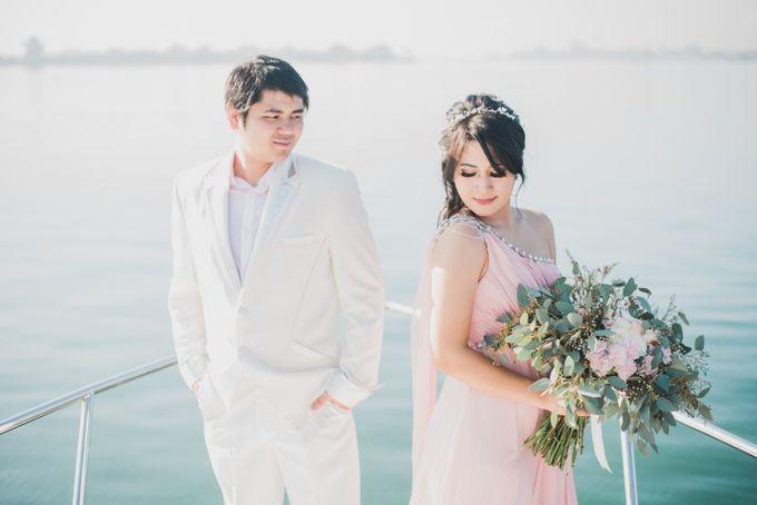 Tropical Island Pre-Wedding at Serangan by Honey Wedding & Event Bali - 007