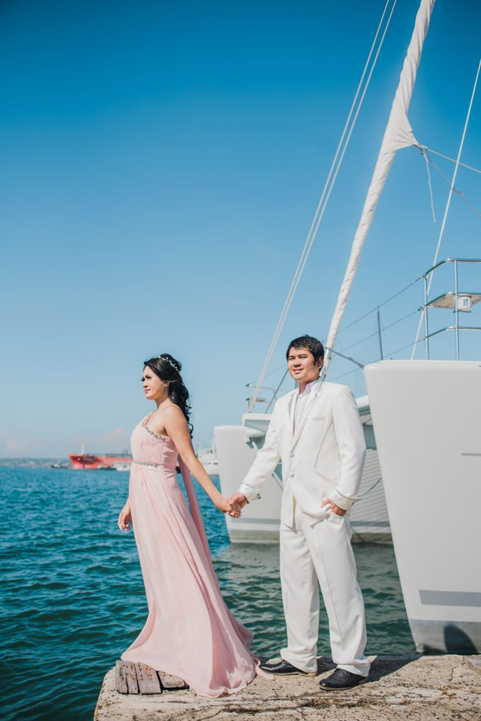 Tropical Island Pre-Wedding at Serangan by Honey Wedding & Event Bali - 008