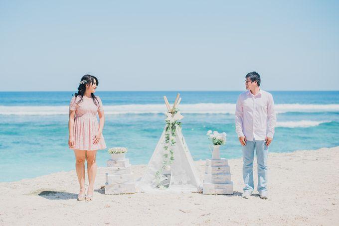 Tropical Island Pre-Wedding at Serangan by Honey Wedding & Event Bali - 014