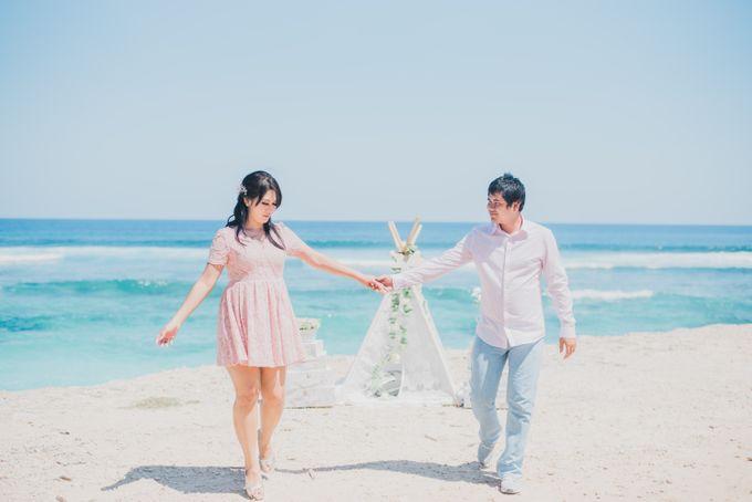 Tropical Island Pre-Wedding at Serangan by Honey Wedding & Event Bali - 015