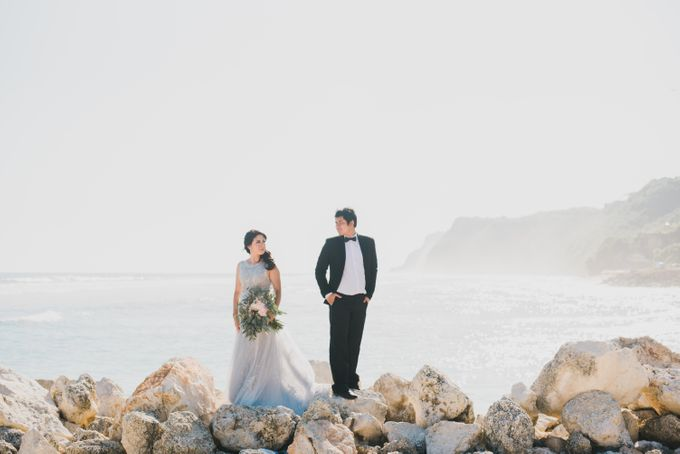 Tropical Island Pre-Wedding at Serangan by Honey Wedding & Event Bali - 018